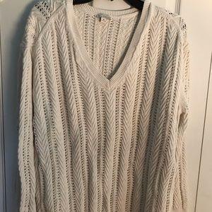 GAP acrylic cream v-neck spring sweater